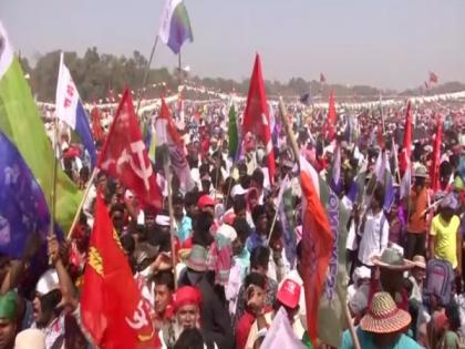 Huge crowd at first joint rally of Left-Cong-ISF in Kolkata, no consensus yet over seat-sharing | Huge crowd at first joint rally of Left-Cong-ISF in Kolkata, no consensus yet over seat-sharing