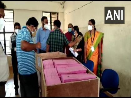 Kerala Assembly polls: Congress, CPI-M lead on 5 seats each | Kerala Assembly polls: Congress, CPI-M lead on 5 seats each