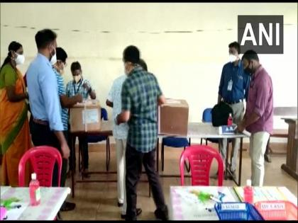 Kerala Assembly polls: CPI-M leads on 49 seats | Kerala Assembly polls: CPI-M leads on 49 seats