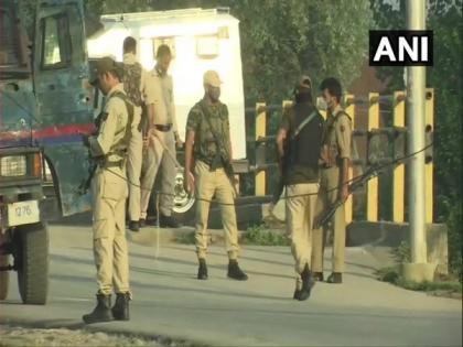 2 unidentified terrorists killed in Srinagar encounter   2 unidentified terrorists killed in Srinagar encounter
