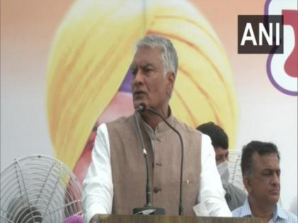 Captain Amarinder successfully handled farmers' protest, directed them to Delhi Border: Jakhar   Captain Amarinder successfully handled farmers' protest, directed them to Delhi Border: Jakhar