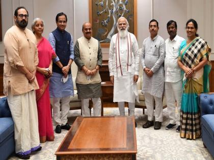 Karnataka CM meets PM, Union Ministers, discusses state matters   Karnataka CM meets PM, Union Ministers, discusses state matters