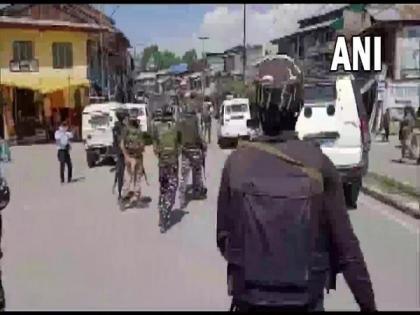 Terrorists hurl grenade at police in J-K's Pulwama, 3 civilians injured | Terrorists hurl grenade at police in J-K's Pulwama, 3 civilians injured