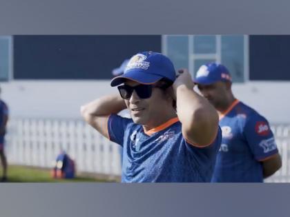 IPL 2021: Mumbai Indians mentor Sachin Tendulkar joins team for training session | IPL 2021: Mumbai Indians mentor Sachin Tendulkar joins team for training session