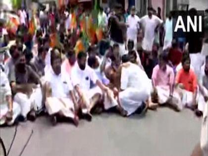 Bharatiya Janata Yuva Morcha holds protest in Kerala demanding KT Jaleel's resignation | Bharatiya Janata Yuva Morcha holds protest in Kerala demanding KT Jaleel's resignation