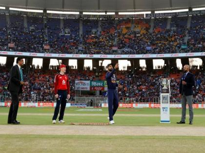 Ind vs Eng, 2nd T20I: Hosts opt to field, Suryakumar and Ishan make debut (Toss) | Ind vs Eng, 2nd T20I: Hosts opt to field, Suryakumar and Ishan make debut (Toss)