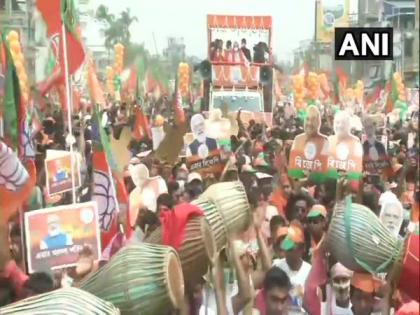 Bengal polls: Shah holds massive roadshow in Nadia   Bengal polls: Shah holds massive roadshow in Nadia