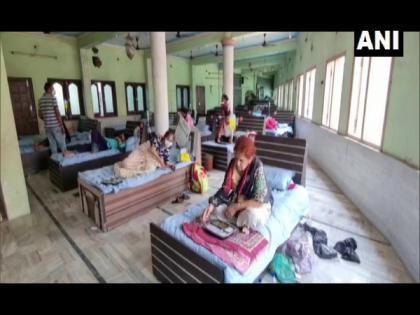 Masjid in Vadodara turned into 50-bed COVID-19 facility as hospitals face crunch   Masjid in Vadodara turned into 50-bed COVID-19 facility as hospitals face crunch