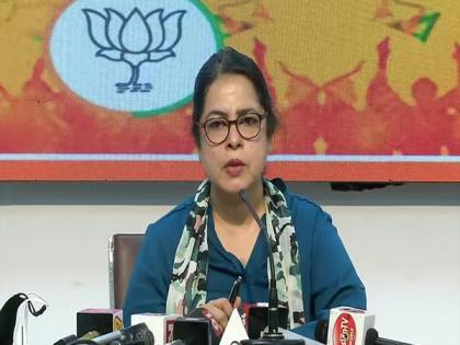 BJP slams Delhi govt over COVID-19 handling, alleges it added only 355 beds in hospitals   BJP slams Delhi govt over COVID-19 handling, alleges it added only 355 beds in hospitals