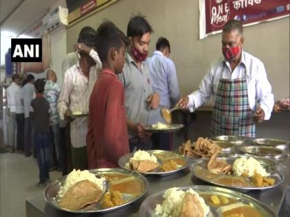 Delhi: NGO starts serving unlimited food, mineral water to needy at Rs 10 in air-conditioned hall   Delhi: NGO starts serving unlimited food, mineral water to needy at Rs 10 in air-conditioned hall