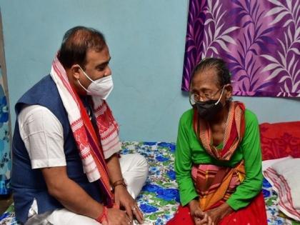Assam CM takes stock of Padma Shri awardee Birubala Rabha's health   Assam CM takes stock of Padma Shri awardee Birubala Rabha's health