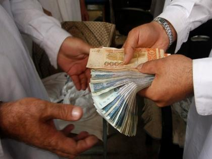 Half of Pakistan's income owned by 20 pc of population | Half of Pakistan's income owned by 20 pc of population
