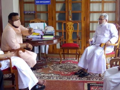 Actor turned politician Suresh Gopi discusses 'Love Jihad, Narcotic Jihad' with Pala Bishop | Actor turned politician Suresh Gopi discusses 'Love Jihad, Narcotic Jihad' with Pala Bishop