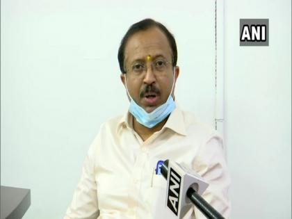 Union Minister V Muraleedharan's car attacked in West Bengal's West Midnapore | Union Minister V Muraleedharan's car attacked in West Bengal's West Midnapore