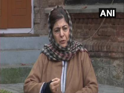 Mehbooba Mufti writes to PM, seeks release of detainees, political prisoners due to COVID-19 situation | Mehbooba Mufti writes to PM, seeks release of detainees, political prisoners due to COVID-19 situation