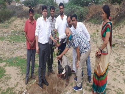 Plantation Drive initiated by Zila Parishad, Jodhpur and villagers of Uchiyarda | Plantation Drive initiated by Zila Parishad, Jodhpur and villagers of Uchiyarda