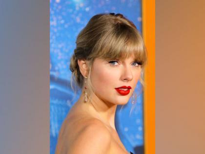 Taylor Swift's 'Folklore' album exceeds 1.3 million copies sold in 24 hours | Taylor Swift's 'Folklore' album exceeds 1.3 million copies sold in 24 hours