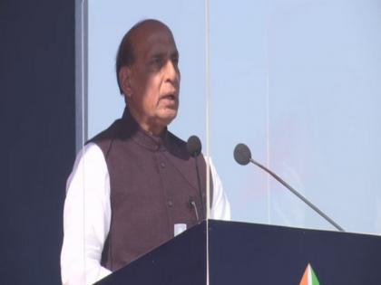 Rajnath Singh to inaugurate 'Hunar Haat' in Delhi on February 21 | Rajnath Singh to inaugurate 'Hunar Haat' in Delhi on February 21