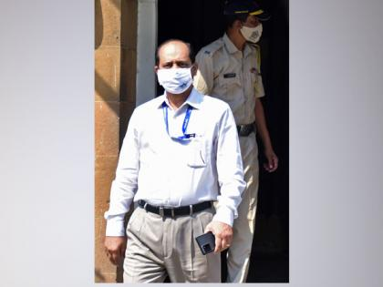 NIA court allows ED to record Sachin Waze's statement in money laundering case against Deshmukh   NIA court allows ED to record Sachin Waze's statement in money laundering case against Deshmukh