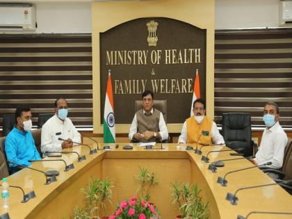 Mansukh Mandaviya inaugurates 2 PSA Oxygen Plants at Sir Takhtasinhji hospital in Gujarat   Mansukh Mandaviya inaugurates 2 PSA Oxygen Plants at Sir Takhtasinhji hospital in Gujarat