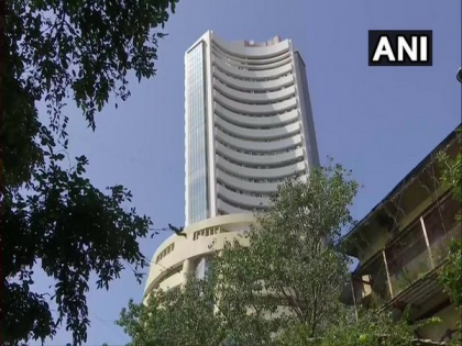 Sensex jumps 364 points, realty and auto stocks spurt   Sensex jumps 364 points, realty and auto stocks spurt