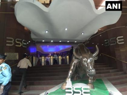 Sensex jumps 958 points, realty stocks surge   Sensex jumps 958 points, realty stocks surge