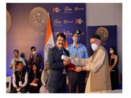 Surat's textile entrepreneur Ajay Ajmera conferred with Champions of Change Award | Surat's textile entrepreneur Ajay Ajmera conferred with Champions of Change Award