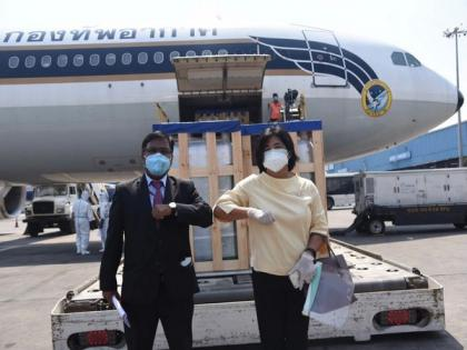 India appreciates gift of 200 oxygen cylinders, 10 oxygen concentrators by Thailand: MEA   India appreciates gift of 200 oxygen cylinders, 10 oxygen concentrators by Thailand: MEA