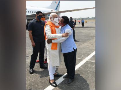 'Bike Ambulance Dada' Karimul Haque meets PM Modi in WB's Siliguri | 'Bike Ambulance Dada' Karimul Haque meets PM Modi in WB's Siliguri