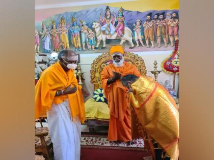 Gopal Baglay visits Nallur Temple to offer prayers | Gopal Baglay visits Nallur Temple to offer prayers