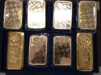 Three held for smuggling 5 kg gold worth Rs 2.44 Crores in Indore   Three held for smuggling 5 kg gold worth Rs 2.44 Crores in Indore