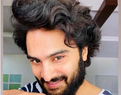 Sudheer Babu shows quirky use of hammer in the gym | Sudheer Babu shows quirky use of hammer in the gym