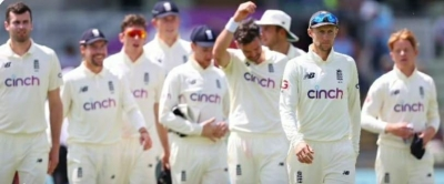 England name Robinson, Hameed in squad for India Tests   England name Robinson, Hameed in squad for India Tests