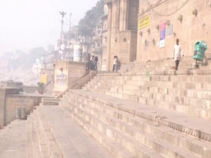 Amid COVID-19, Ganga ghats in Varanasi remain deserted on Holi | Amid COVID-19, Ganga ghats in Varanasi remain deserted on Holi