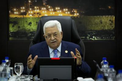 Abbas speaks with outgoing Israeli Prez   Abbas speaks with outgoing Israeli Prez