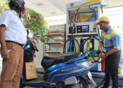 Petrol, diesel prices unchanged on Tuesday | Petrol, diesel prices unchanged on Tuesday