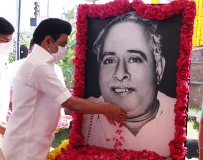 Stalin offers homage to Annadurai on his birth anniversary   Stalin offers homage to Annadurai on his birth anniversary