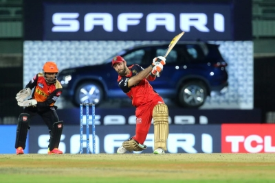 Credit to RCB for allowing Maxwell to play the way he wants to: Parthiv | Credit to RCB for allowing Maxwell to play the way he wants to: Parthiv