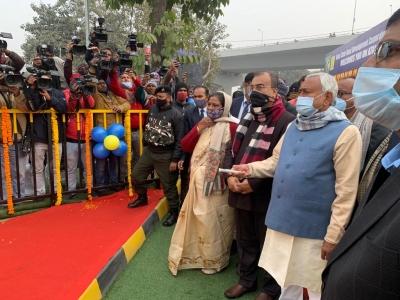 Nitish inaugurates six-laned Digha road   Nitish inaugurates six-laned Digha road