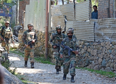 Two terrorists killed in Kashmir encounter after refusing to surrender   Two terrorists killed in Kashmir encounter after refusing to surrender