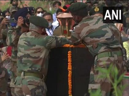 CDS Gen Rawat installs Victory Flame at Kargil War Memorial in Dras | CDS Gen Rawat installs Victory Flame at Kargil War Memorial in Dras