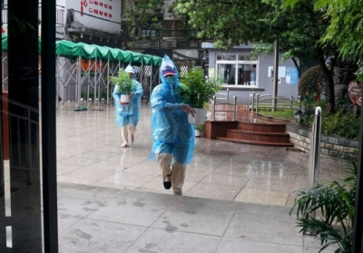 Nearly 330,000 evacuated as Shanghai braces for typhoon | Nearly 330,000 evacuated as Shanghai braces for typhoon
