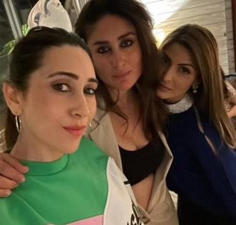 Kareena shares a picture with sisters Karisma and Riddhima   Kareena shares a picture with sisters Karisma and Riddhima