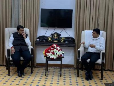 Goa CM Sawant meets Fadnavis at Mumbai residence | Goa CM Sawant meets Fadnavis at Mumbai residence