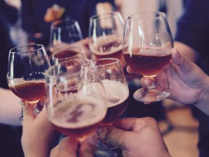 Study reveals certain occupations may be linked with heavy drinking   Study reveals certain occupations may be linked with heavy drinking