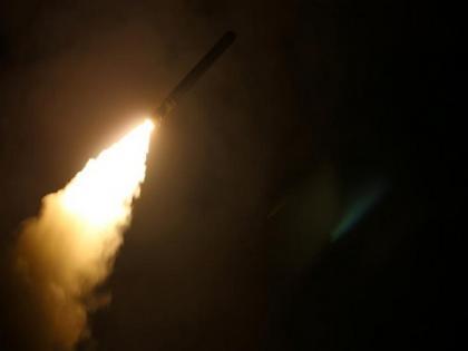 Military plane strikes at 2 cars on syrian-Iraqi border | Military plane strikes at 2 cars on syrian-Iraqi border