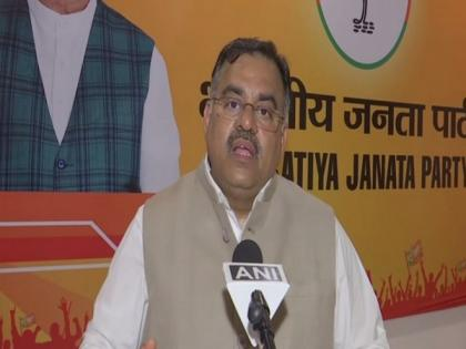BJP to train 4 lakh volunteers to curb COVID-19 in 2 lakh villages: Tarun Chugh   BJP to train 4 lakh volunteers to curb COVID-19 in 2 lakh villages: Tarun Chugh