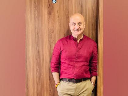 Anupam Kher shares his mother's reaction on him completing 40 years in Mumbai   Anupam Kher shares his mother's reaction on him completing 40 years in Mumbai