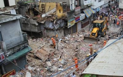 Delhi Building Collapse: AAP accuses BJP-controlled MCD of negligence   Delhi Building Collapse: AAP accuses BJP-controlled MCD of negligence