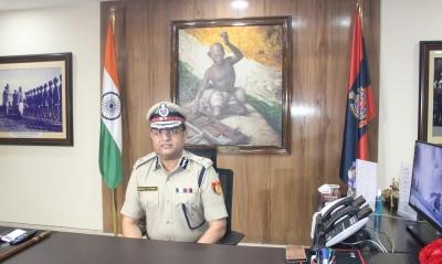 Rakesh Asthana takes charge as Delhi Police chief | Rakesh Asthana takes charge as Delhi Police chief